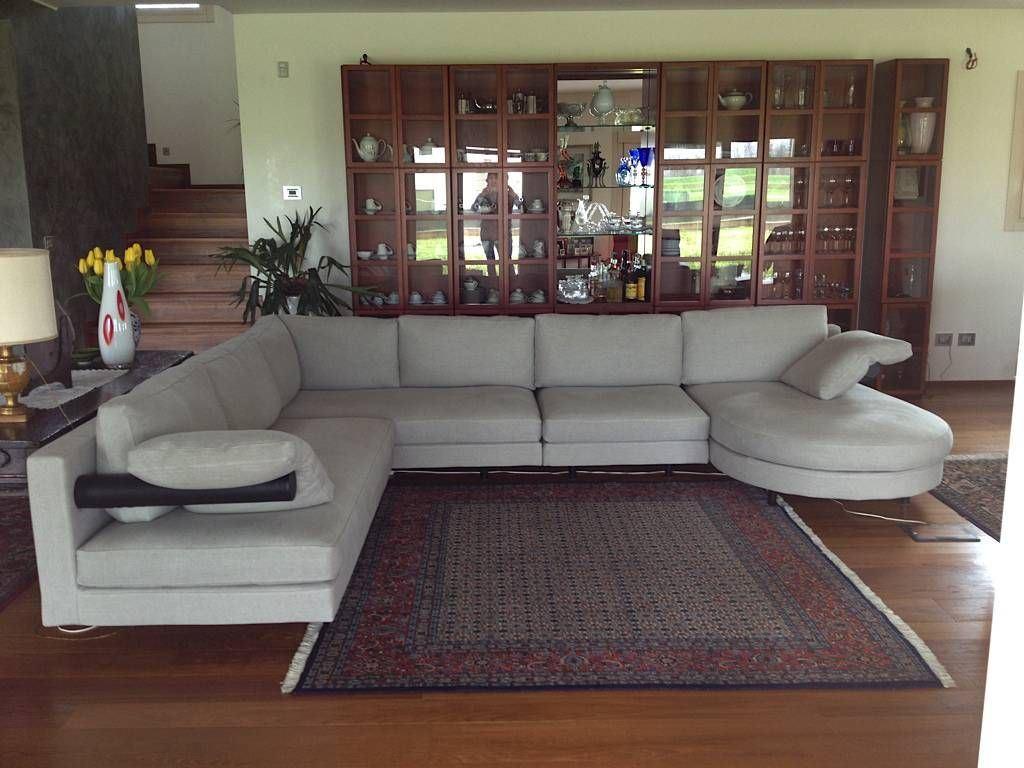 Nuovo rivestimento e restauro divano B&B Sity. Il fine del nostro