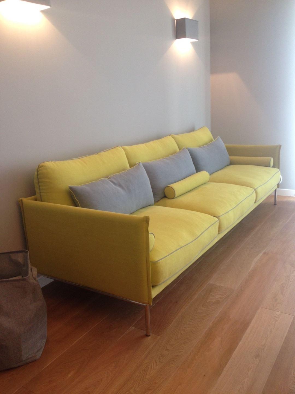 Realizzazione divano su progetto divani su misura in pelle for Divano disegno