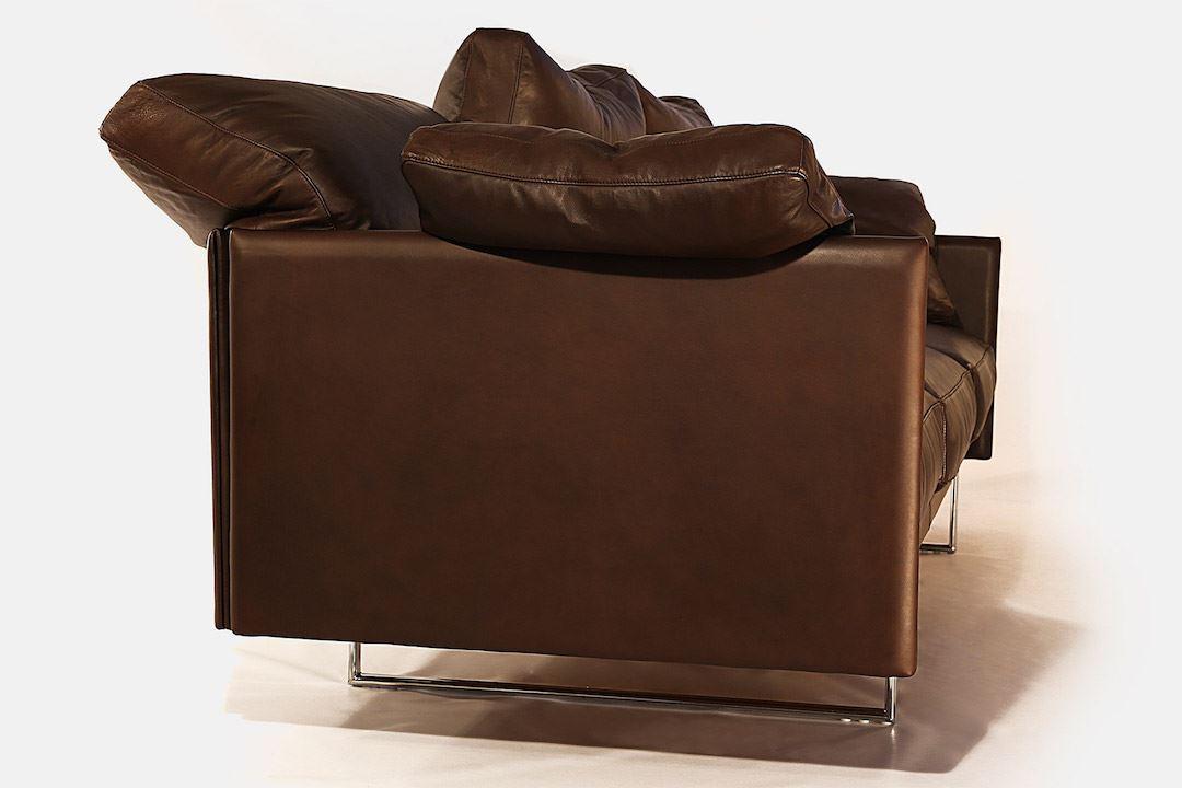 divano in pelle su misura